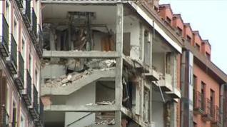 Comienzan las tareas de desescombro en el edificio que explotó en Madrid dejando 4 muertos