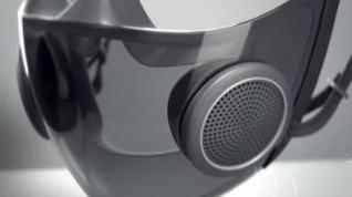 Un fabricante de juegos crea un prototipo de mascarilla con micrófono y amplificador