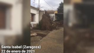 Las rachas de viento de Hortensia destroza algunas viviendas en Santa Isabel, Zaragoza