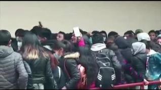 Tragedia en una universidad de Bolivia al caer de un cuarto piso siete alumnos durante una asamblea
