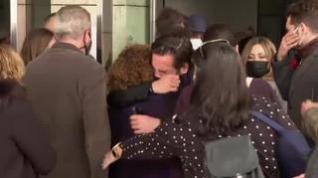 La familia y amigos de Álex Casademunt, devastados en la despedida del cantante