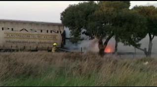 Incendio de un camión en el polígono de Malpica