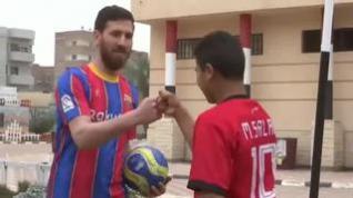 El doble del futbolista Messi es egipcio, pintor y tiene 27 años
