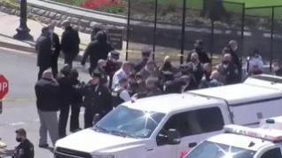 Un hombre atropella a dos policías del Capitolio de Washington y mata a uno de ellos antes de ser abatido