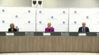 La EMA dice que los beneficios de la vacuna de AstraZeneca superan a los riesgos