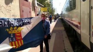La provincia de Huesca sale a los andenes para reclamar más y mejores trenes