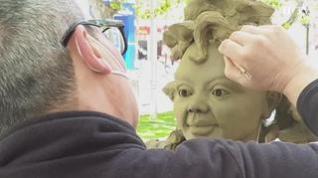 Esculturas que duran unas horas en la Gran Vía de Zaragoza