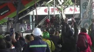 Al menos 20 muertos y 49 hospitalizados al desplomarse un metro en México
