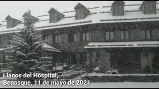 La nieve vuelve a Llanos del Hospital, en Benasque, en plena primavera