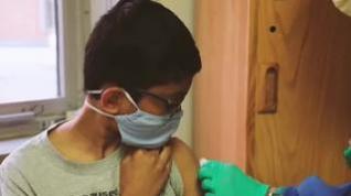 Canadá se convierte en el primer país del mundo en vacunar a los menores desde los 12 años