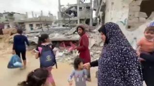 Atónitos se quedan los palestinos al regresar a sus casas y encontrar destruidos los edificios