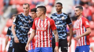 El Sporting pierde frente al Almería y se queda sin play off (0-2)