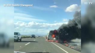 Aparatoso incendio en la N-232