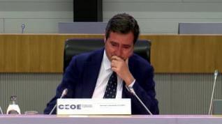 Garamendi llora al recibir el apoyo de sus compañeros de la CEOE tras la polémica por los indultos