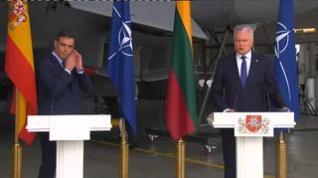 Interrumpida de urgencia la rueda de prensa de Pedro Sánchez en Lituania por una amenaza de las fuerzas rusas