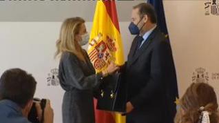 José Luis Ábalos entrega la cartera a Raquel Sánchez