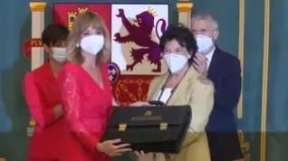 Pilar Alegría recibe la cartera de Educación y Formación Profesional de manos de Isabel Celaá