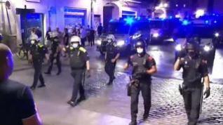 Desalojan a más de 4.300 personas de las calles de Barcelona en la primera noche de toque de queda