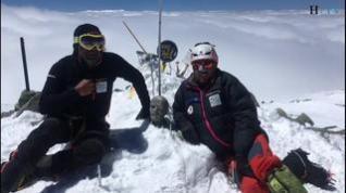 Carlos Pauner y su equipo coronan el pico Lenin