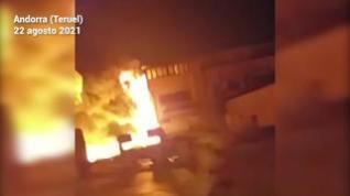 Incendio en una parcela a cinco metros de la gasolinera de Andorra