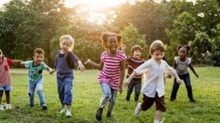 Consejos para organizar el tiempo de los niños cuando no se están en el colegio