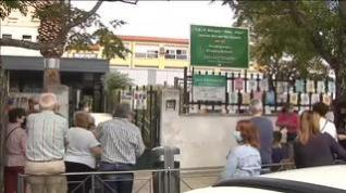 Las dos hermanas del Alba Plata, un colegio de Cáceres, no podrán entrar al colegio sin mascarilla
