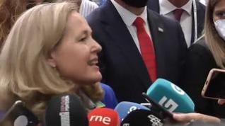 Calviño niega que se haya cerrado un acuerdo sobre la subida del SMI