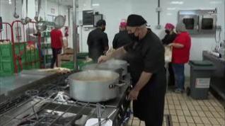La ONG del cocinero José Andrés ya está en La Palma para repartir comida a los evacuados