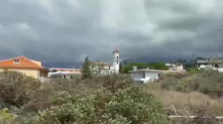 Los bomberos se retiran de Todoque por el aumento de las explosiones y la caída de cenizas