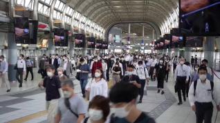 Japón levanta la emergencia sanitaria tras 6 meses pero mantiene las medidas