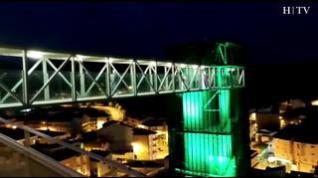 Música y juegos de luces para celebrar el décimo aniversario del ascensor que acercó san Julián al centro de Teruel