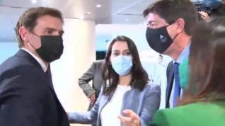 Inesperado encuentro entre Inés Arrimadas y Albert Rivera en un foro de turismo en Madrid