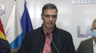 Sánchez asegura a los palmeros que el Gobierno estará con ellos después de que acabe la lava