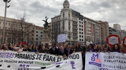 La protesta en Zaragoza, a la altura de la plaza de España.