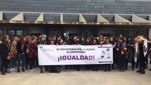 Concentración de periodistas durante el Congreso de Periodismo Digital de Huesca.