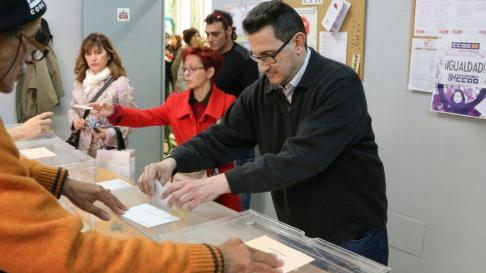 El zaragozano Paco Monteagudo es uno de los 3000 aragoneses con discapacidad que van a votar estas elecciones.