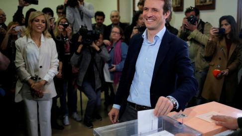 Pablo Casado ha votado en el colegio El Pilar (Madrid)