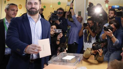 Santiago Abascal ha votado en un colegio de Madrid.