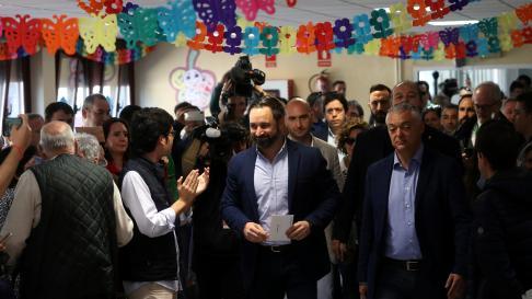 Santiago Abascal votando en las elecciones generales