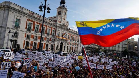 Concentración en Madrid en apoyo a Juan Guaidó.