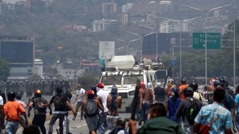 Disturbios cerca de la base de La Carlota