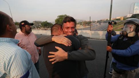 """Leopoldo López, tras ser liberado: Este es el momento de todos los venezolanos"""""""