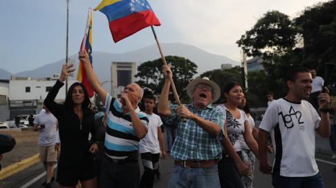 Movilización militar y ciudadana en Venezuela en apoyo a Juan Guaidó