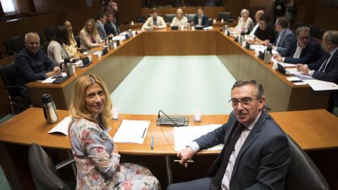 Luis María Beamonte y Mar Vaquero han presidido este miércoles la reunión del grupo del PP en las Cortes de Aragón.