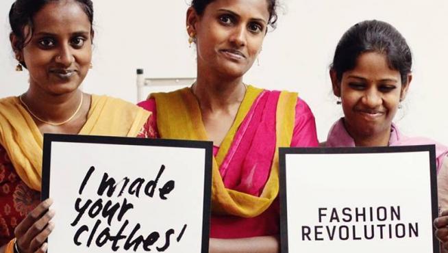 Exposición de Fashion Revolution.