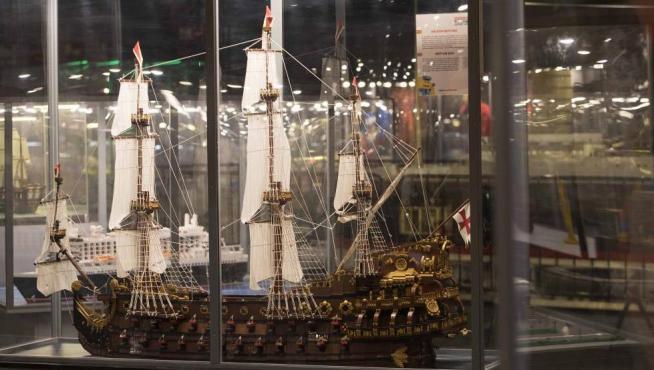El navío español El Neptuno, en lego
