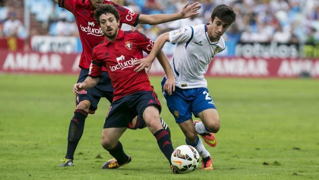 David Muñoz, durante un encuentro de liga en La Romareda ante Osasuna.