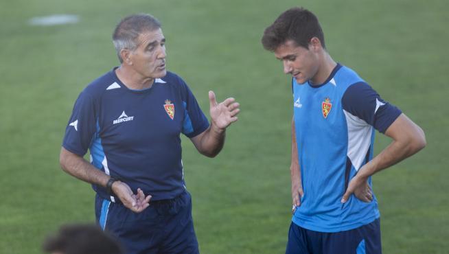 Jorge Ortí dialoga con Paco Herrera durante un entrenamiento.