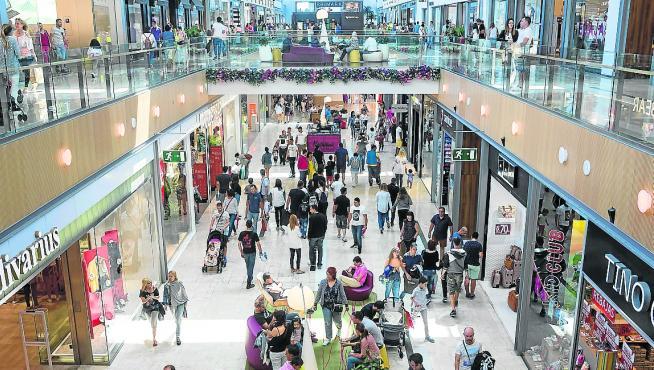El centro comercial zaragozano Puerto Venecia podría volver a cambiar de manos.
