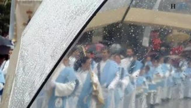 Lluvioso Domingo de Resurrección en Zaragoza